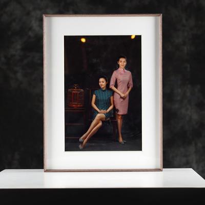 Wood surface aluminum frames for family photos custom size